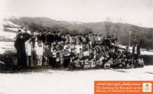 دانش آموزان و معلمان مدرسهی روستای دیزج علیقلی بیک هشترود